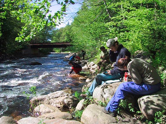 Testing acidity and alkalinity of upper East Canada Creek